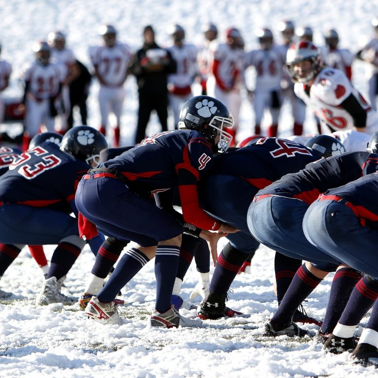 American Football Athletes Cold 159663
